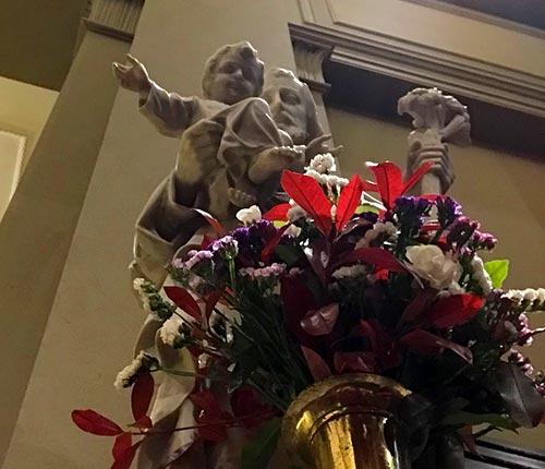 St. Joseph with Infant Jesus Statue